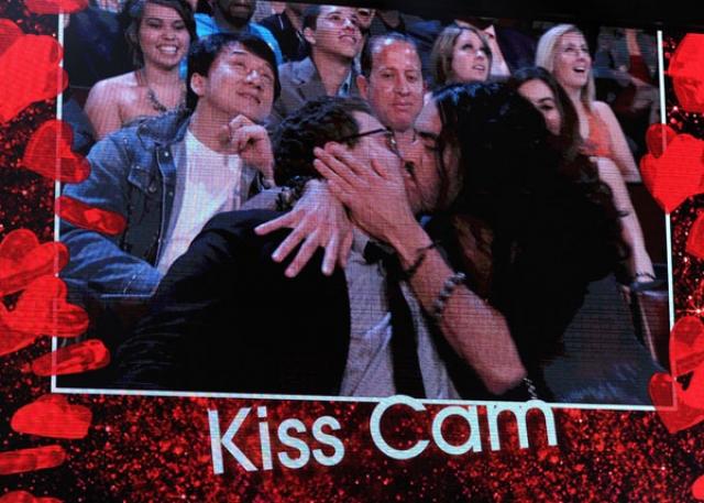 Рассел Брэнд и Джонна Хилл также шокировали зрителей на церемонии МТВ, которая состоялась в 2010 году.