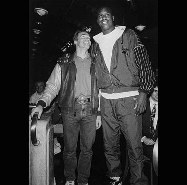 С Шакилом О'Нилом на праздновании его 21-летия, 6 марта 1993 года.