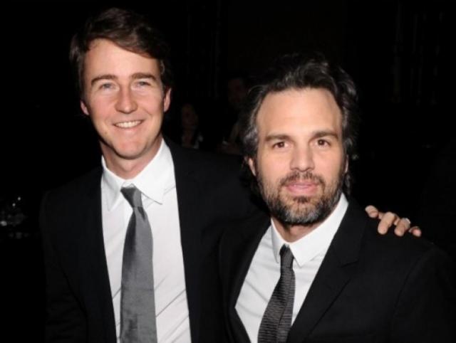 Эдвард Нортон и Марк Руффало. Актеры постоянно становятся соперниками на кастингах, но это дружбе не помеха.