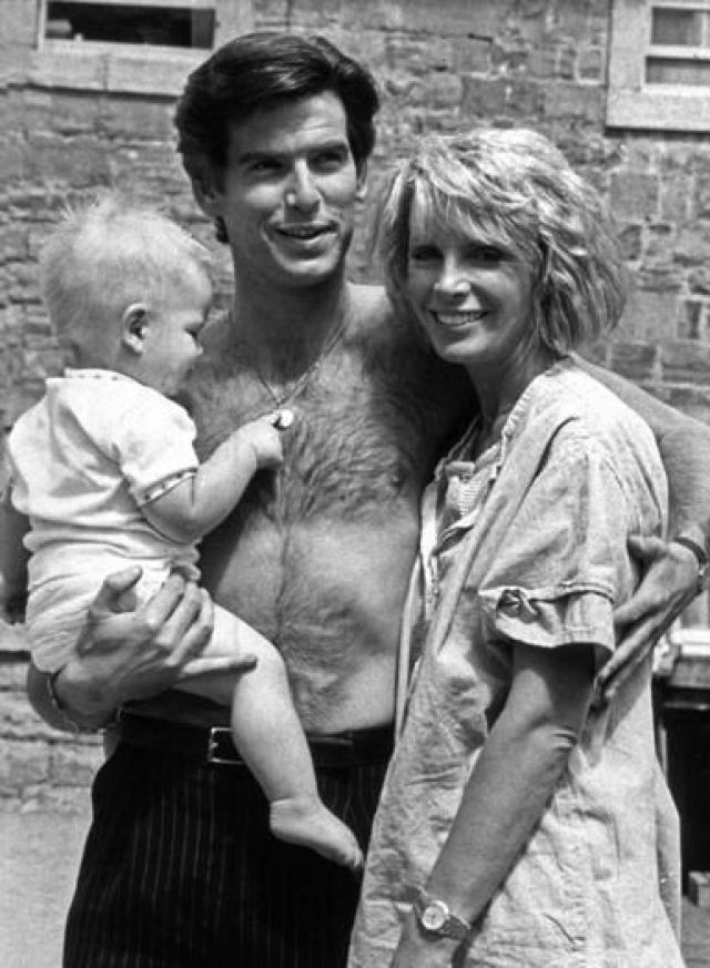 У Пирса и Кассандры родился сын Шон Уильям, и последующие пять лет были счастливыми и безоблачными. А в 87-м у Кассандры обнаружили рак…