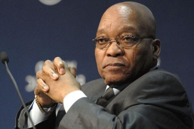 """В 2007 году ей было предоставлено политическое убежище в Нидерландах. В суде Зума, занимавший в то время должность главы национального совета по борьбе со СПИДом, заявил, что не использовал презерватив, хотя знал о болезни женщины. Вместо этого он принял душ, """"чтобы снизить риск заражения СПИДом""""."""
