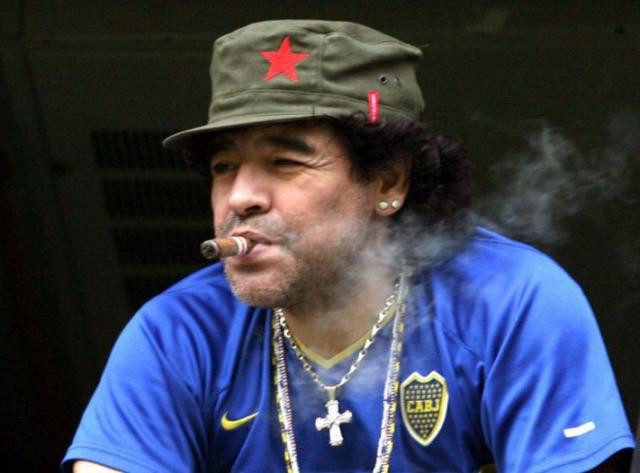 """Диего Марадона ввел в мировом спорте """"моду на кокаин""""."""
