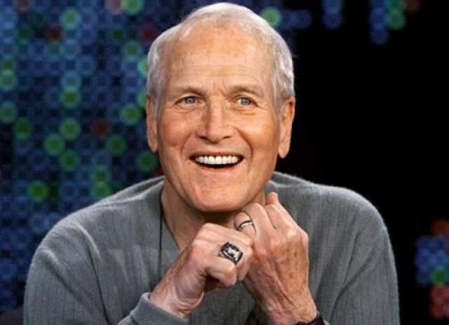 Он дважды женат, стал отцом шестерых детей. В а 1995 году включен журналом Empire в число 100 самых сексапильных звезд в истории кино. В июне 2008 года у Пола Ньюмен был диагностирован рак легкого, а 26 сентября того же года он скончался в своем доме в Уэспорте, штат Коннектикут, в возрасте 83 лет.