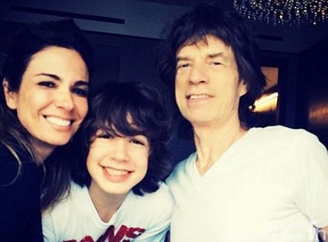 Джерри подала на развод, узнав о романе Мика с Лусианой Морад, моделью из Бразилии.