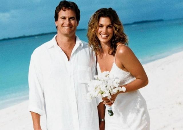 Кроуфорд сама предложила Герберу пожениться, а он с радостью согласился. Их свадьба была очень красивой и романтичной - влюбленные уехали на Гавайи и поженились в неформальной обстановке прямо на пляже.