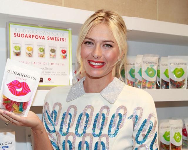 Мария Шарапова. Российская теннисистка вложила деньги в производство конфет и жевательной резинки под маркой Sugarpova. Причем, бизнес оказался настолько удачным, что за три года продажи выросли втрое.