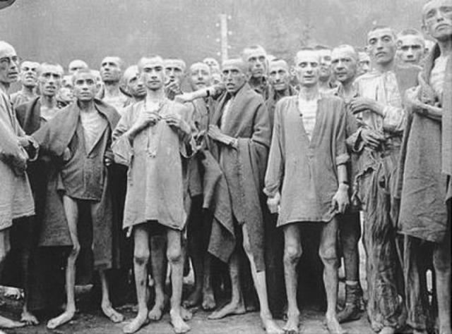 Поэтому, войдя в лагерь, советские войска нашли живыми только несколько тысяч истощенных узников.