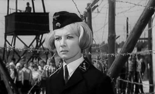 """Алла Демидова, 82 года. На визите актрисы в Петриче провидица спросила, почему ей она видит женщину в нацистской форме. Демидова ответила, что снялась в фильме """"Щит и меч"""", в котором играла немку. """"Да ты актриса? – удивилась Ванга, – но почему ты стала актрисой? Ты должна была стать ученым. Известным ученым""""."""