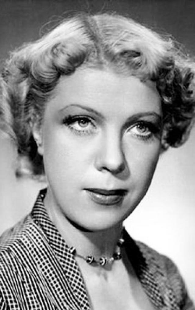 Тамара Носова. В 50-х годах Тамару считали одной из самых известных комических актрис. Тамара мечтала играть драматические роли, но режиссер Борис Бибиков разглядел в ней талант комедийной актрисы и посоветовал его использовать.