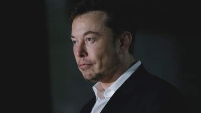 Илон Маск/ЮАР/Место в Forbes: 34/Состояние: $11,6 млрд Знаменитый изобретатель, глава совета директоров Tesla Motors, и основатель SpaceX. Созданная им компания- разработчик серии ракет-носителей, является коммерческим оператором сотрудничающих с NASA космических систем.
