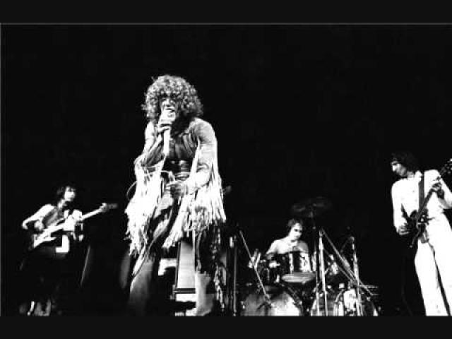 """Средний гонорар топ-артиста в то время составлял где-то 12-13 тысяч долларов, даже знаменитая команда The Who согласилась на такую цену, они только что на начало фестивального лета выпустили в свет незабываемую рок-оперу """"Томми""""."""