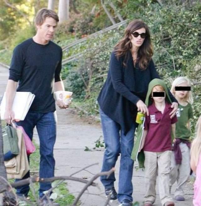 Пара вместе и по сей день. Джулия и Даниэл воспитывают троих детей.