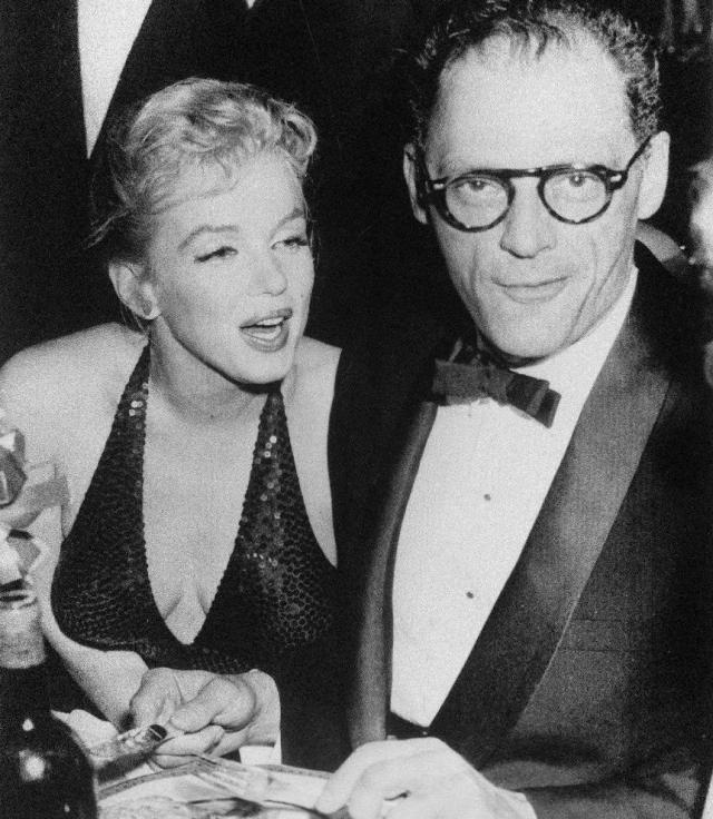Что сам драматург с блестящим образованием нашел в актрисе с имиджем глупенькой блондинки, неясно.