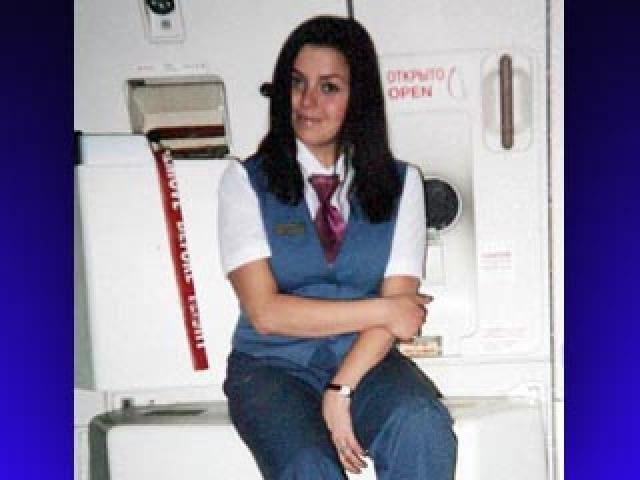 Благодаря действиям бортпроводницы через спасательный люк сумели выбраться 20 пассажиров, последней через этот выход покинула самолет Виктория.