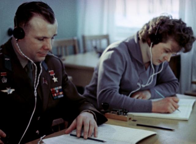 Юрий приложил немало усилий для осуществления лунных космических полётов и сам до своей гибели состоял членом экипажа одного из готовящихся лунных кораблей.