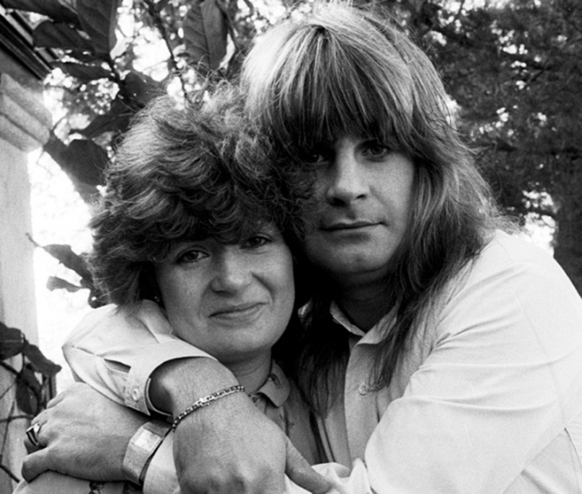 Оззи Осборн. Еще в 1985 году рокер решил отпраздновать день рождения своего сына Джека в постели с его няней.