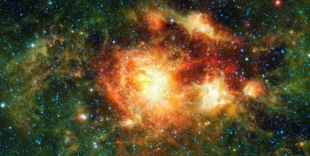Облако звездообразования. Это изображение облака звездообразования, состоящего из газа, пыли и скопления молодых звезд, получено с помощью инфракрасного космического телескопа НАСА.