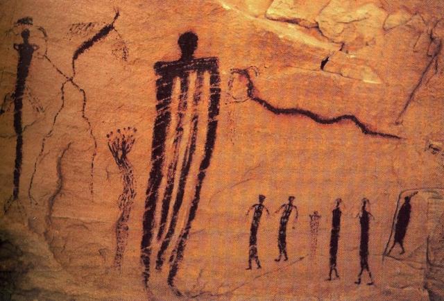 Огромные фигуры, изображенные в Каньон Сего, штат Юта, США.