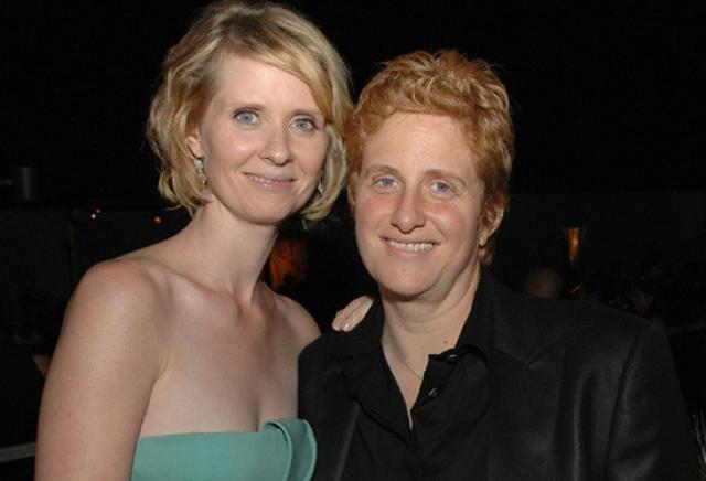 С 2004 года она состоит в отношениях с активисткой образовательного движения Кристин Маринони. В 2009 году пара объявила о помолвке. В феврале 2011 года Никсон родила сына, Макса Эллингтона Никсон-Маринони. 27 мая 2012 года в штате Нью-Йорк состоялась ее свадьба с Маринони.