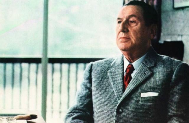 Аргентина после 1945 года стала настоящим прибежищем для нацистов, поскольку сочувствовавший Гитлеру президент Аргентины Хуан Перон не просто закрывал глаза на въезд в страну огромного числа немцев с фальшивыми документами, но и активно помогал им скрыться из Европы.