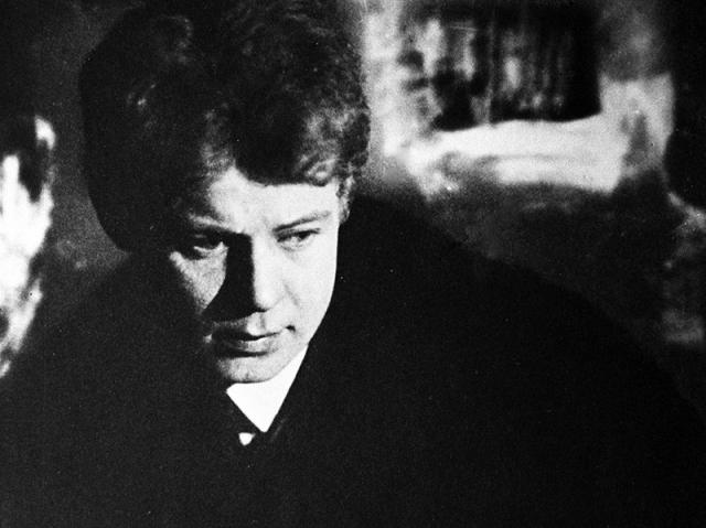 """""""Берлинская атмосфера меня издергала вконец. Если бы Изадора не была сумасбродной и дала мне возможность где-нибудь присесть, я очень много бы заработал"""", - говорил Есенин знакомому."""