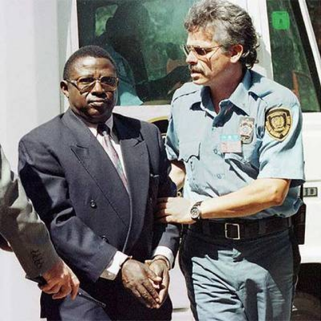 Было установлено, что после того, как 6 апреля 1994 года в авиакатастрофе погиб президент Хабиаримана, Багосора полностью захватил контроль над политической и военной ситуацией в стране, а следовательно, несет ответственность за произошедшие затем события.