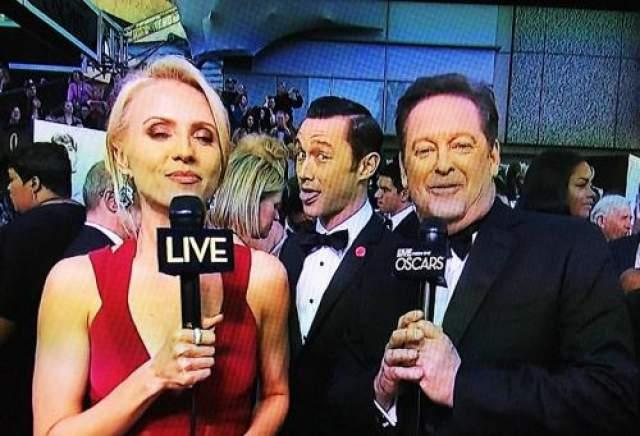 """Джозеф Гордон-Левитт - главный фотобомбардировщик на последней церемонии вручения """"Оскаров""""."""