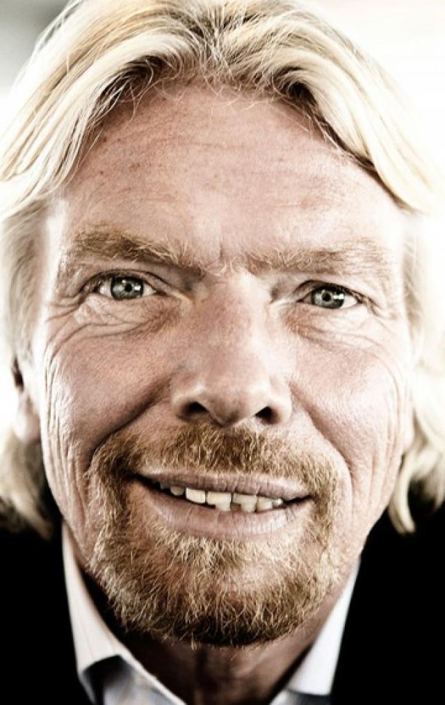 Ричард Брэнсон , основатель корпорации Virgin Group, не устает удивлять общественность эпатажными выходками.