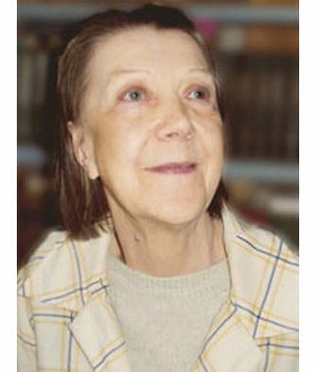 Последние годы народная артистка России питалась в столовой для бездомных и малоимущих. Получала пенсию, которой не хватало даже на квартплату.