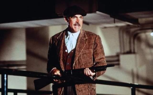 """За создание образа Джима Мэлоуна в гангстерской драме """"Неприкасаемые"""" Коннери удостоился премии """"Оскар"""" и """"Золотой глобус"""". Считается одним из лучших актеров современности и одним из лучших актеров всех времен."""