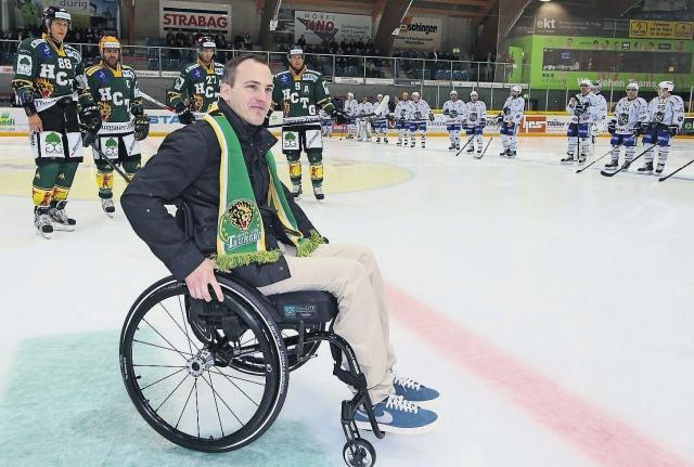 Рони не только не смог вернуться к спортивной карьере, он навсегда остался парализованным. В один день его спортивное будущее и беззаботная жизнь были перечеркнуты.
