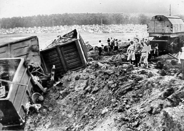 Крушение на станции Дровнино. Инцидент произошел 6 августа 1952 года на Западной железной дороге в Можайском районе Московской области.