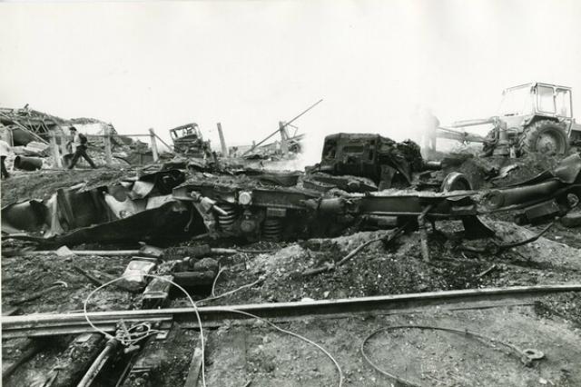 От взрыва серьезно пострадали 14 школ, 49 детсадов, 2 больницы и 69 магазинов. По официальным данным, 91 человек погиб, в т.ч. 17 детей, еще 1500 получили ранения. Общий ущерб составил около 120 миллионов советских рублей.