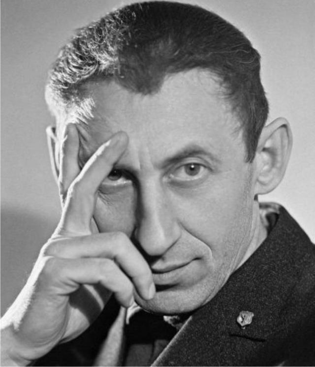 Владимир Басов. Актер всегда пользовался огромным успехом в любом обществе. От него, далеко не красавца, женщины были без ума.