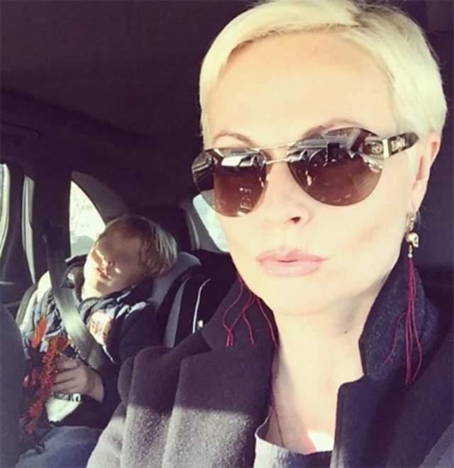 Его вторая возлюбленная - шеф-редактор Первого канала в Санкт-Петербурге Наталия Коваленко, которая воспитывает сына Марка, отцом которого, по предположению журналистов, является также Дмитрий.