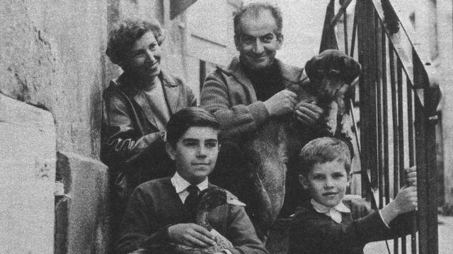 В браке них родились два сына - Патрик и Оливье.