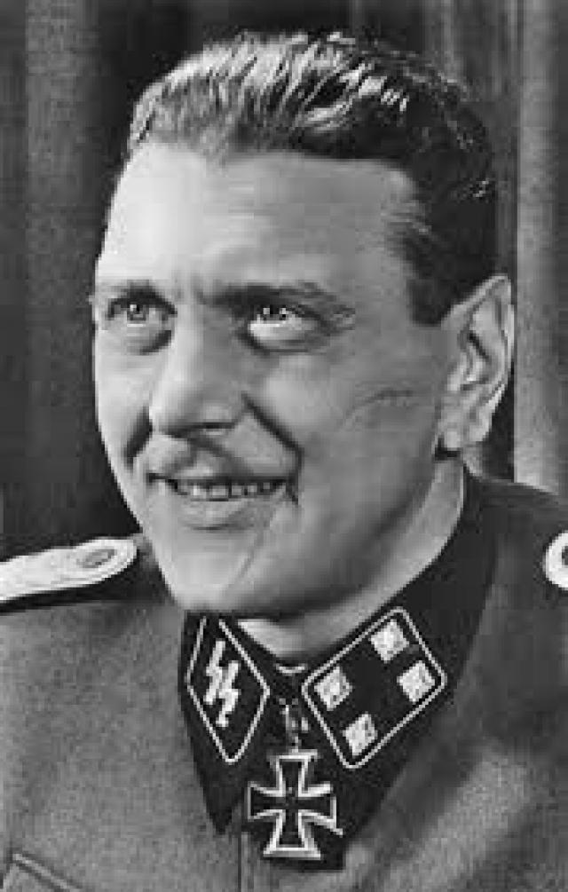 В 1943 немецкий террорист Отто Скорцени спланировал убийство Сталина и Черчилля, а также похищения Рузвельта, когда главы союзных государств встретились в Тегеране.