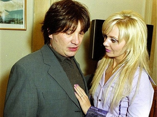 Самым громким разводом отечественных знаменитостей из-за рукоприкладства, пожалуй, стал развод супругов Шульгиных .