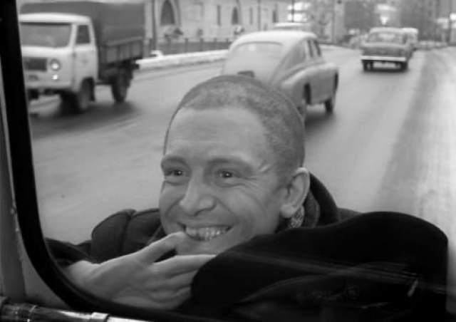 """Эльдар Рязанов уговорил Иннокентия для финальной сцены """"Берегись автомобиля"""" побриться наголо."""