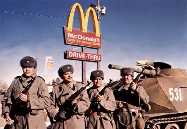 """""""Красный рассвет"""", 1984. Фильм о третьей мировой войне и захвате США союзническими Советско-Кубинскими войсками и является откровенной политической провокацией."""