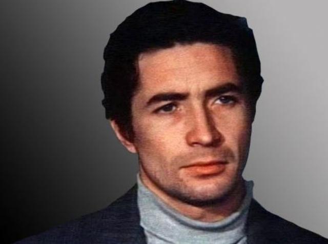 Актер был убит сотрудником милиции в собственной комнате в коммунальной квартире 27 ноября 1981 года при невыясненных обстоятельствах. Как установила затем экспертиза, в крови у погибшего не было ни грамма алкоголя. Не нашли у него и никаких изменений в мозгу.