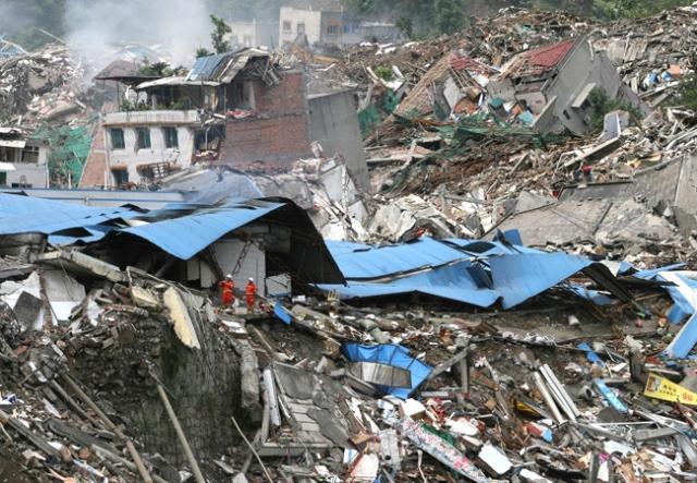 Сычуаньское землетрясение. Произошло 12 мая 2008 года в китайской провинции Сычуань. Магнитуда составила 8 баллов, а толчки ощущались и в соседних странах: Индии, Пакистане, Таиланде, Вьетнаме, Бангладеш, Непале, Монголии и России.