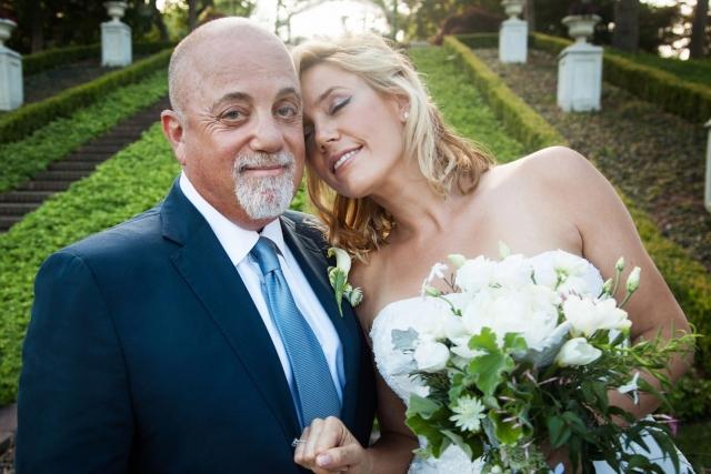 Билли Джоэл женился на Алексис Родерик четвертого июля, а примерно через месяц родилась их дочь Делла Роуз. Для Джоэла этот брак стал четвертым.