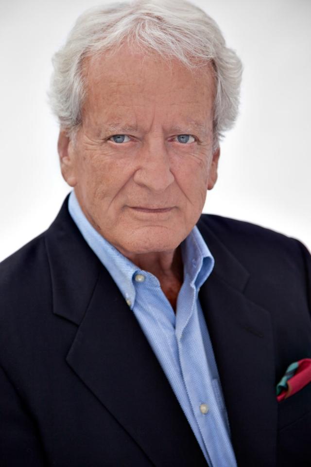 """Он работал с Жаном-Мишелем Кусто, руководил подводными съемками в экспедициях команды Кусто. Кстати, он был консультантом по подводным съемкам и в """"Санта-Барбаре"""". Сейчас Костеру 80 лет."""