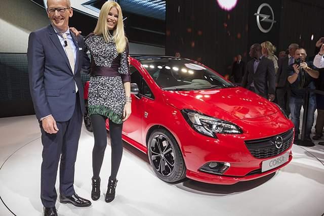Одно время ей даже пришлось брать уроки у инструктора заново, а все потому, что близился контракт с Opel, лицом которого ей предстояло стать.