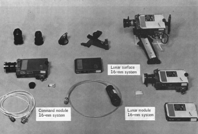 По легенде НАСА, астронавты привезли с Луны телевизионную камеру. Различные участки камеры были изучены на предмет выявления микроорганизмов, сумевших выжить в условиях Луны. На полиуритановой пластине (изоляторе микросхемы камеры) были обнаружены стрептококки (одноклеточные бактерии).
