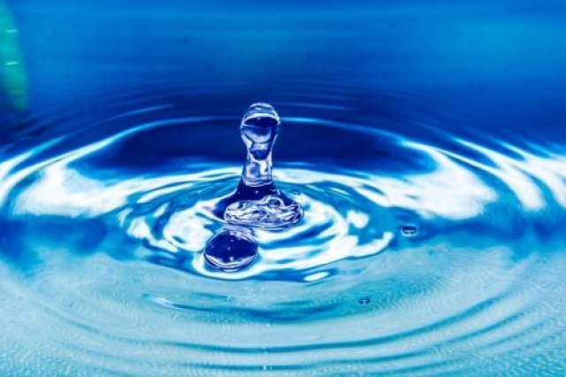 6. Аквагенная крапивница Также известна как аллергия на воду. Пациенты испытывают болезненную реакцию кожи при контакте с водой. Это реальное заболевание, хотя и очень редкое. В медицинской литературе описано только около 50 случаев.