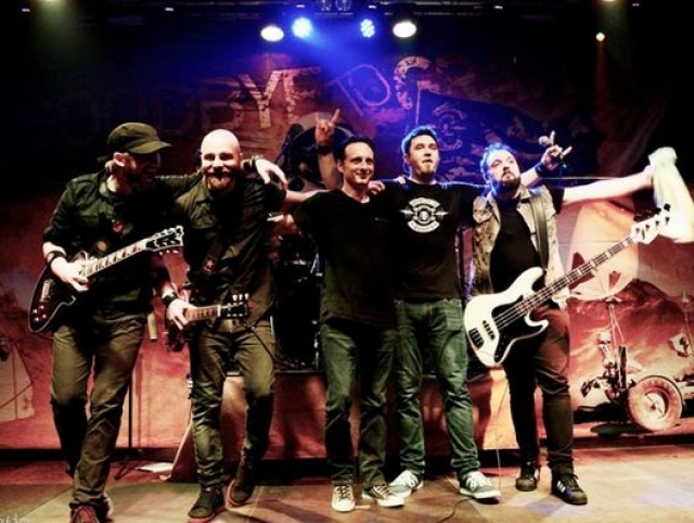 Пожар в Бухаресте. 30 октября 2015 года произошла на концерте румынской хэви-метал-группы Goodbye To Gravity в бухарестском клубе Colectiv, которая унесла жизни 51 человека.