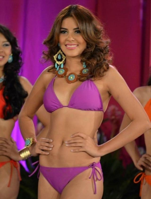 """Мария должна была вылетать в Лондон для участия в конкурсе """"Мисс Мира"""" как раз в тот момент, когда ее тело закапывали на пляже. Гондурас отказался заменять Марию и пропустил конкурс."""