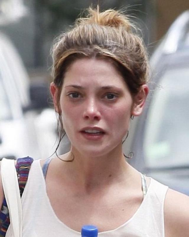 Без макияжа Эшли выглядит так.